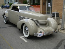 What a 1938 Cord 814 would have looked like.