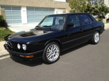 A very rare and super clean 1988 BMW E28 M5 with Euro bumpers. It has ...