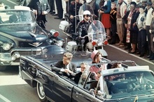 JFK on that fateful parade route in Dallas November 22, 1963. The 1961 Lincoln's incredible ...