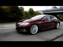 Contributing Editor Csaba Csere takes an in-depth and technical look into the 2013 Tesla Model ...
