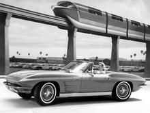 Stingray looking futuristic with an elevated train. Correct me if I'm wrong, but that looks ...