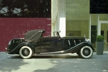 $1.7M was paid for this one-off 1936 Rolls Royce PIII by Gurney Nutting. Coys auction ...