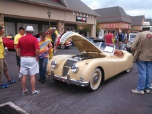 Talking Jag over an oh so fine XK140 at the British Invade Gettysburg. For more ...