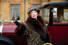 Shirley MacLaine appeared in the show's third season; here she is arriving in style.