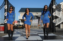 BMW club racing gals. Good things comes in threes!