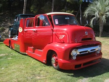 1953 Ford C-600 Crew Cab Towing rig. I love this!