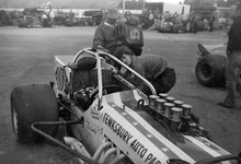 Oswego 1974: Tom Bowley preps the Flyin 5 for driver Bentley Warren.